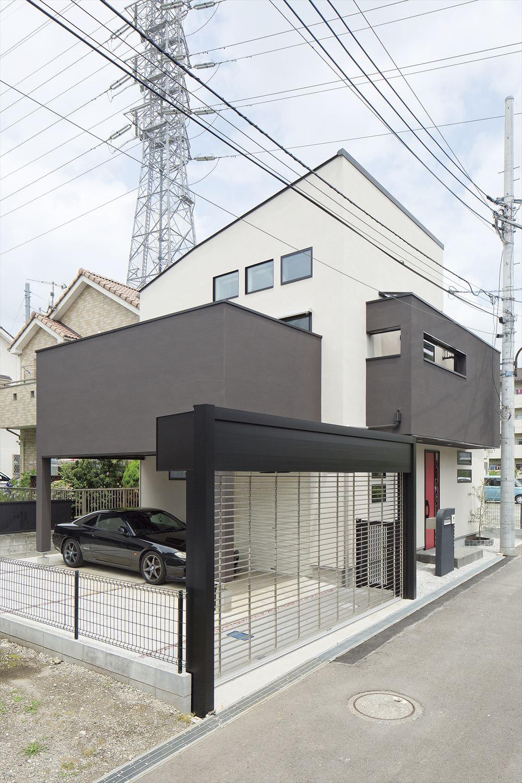 駐車スペースの広い家