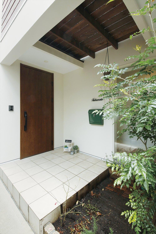 狭小住宅の玄関